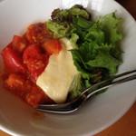 つかさ - トマトチーズ焼きそば  特製トマトソースをかけて頂きます