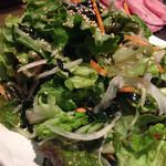 焼肉 韓国料理 八幸苑 - サラダ。