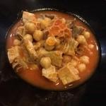 コンヴィーヴィオ - トリッパとひよこ豆のトマト煮