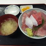 魚市場食堂 - 三色丼 2016.3