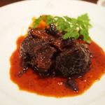 TRATTORIA TRINITA - 牛ほほ肉の赤ワイン煮込み