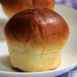 4852336 - 牛乳あんパン。2010年8月撮影。