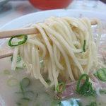 ひろせ食堂 - 麺のアップ