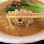 48523412 - 担々麺 麺