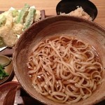 48529612 - 季節野菜の天ぷらうどん②