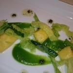 エノテーカ ピンキオーリ - リコッタチーズとレモンのアニョロッティ チリメンキャベツと黒トリュフ