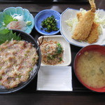 女良食堂 - 伊八めし ¥1050-