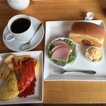 48546390 - ブレンドコーヒー  ¥400                       +¥220でプレーンオムレツとポテトフライ