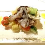 ラ・ルーナ・ロッサ - トリ貝と季節の野菜