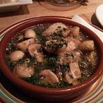 二子玉川バル IBERO - 牡蠣とマッシュルームのアヒージョ