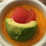 焼ハマグリル - アボカドとトマトサラダ。人参ドレッシングが美味
