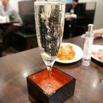 焼肉グレート - あふれるスパークリングワイン