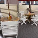 ペリカンバーガー - 天気の良い日はテラス席で