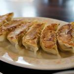 宇都宮餃子館 - 野菜多めのライトな餃子。