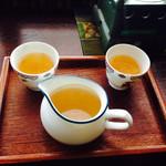 sakankissako - お茶のお代わり。器がかわいい(^^)