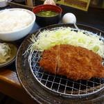 そ!これこれ 豚肉屋 - 黒豚ロースとんかつ定食1250円(税込)