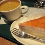 プロント - イチゴのミルクレープとコーヒーセット490円