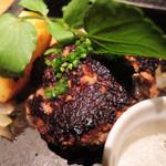 鉄板酒場 犇屋 - ハンバーグ鉄板焼き。 これもほぼ毎回注文してる、お気に入りのハンバーグ。 お肉がジューシーです。