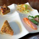 群ちゃん - 牛肉麺は前菜付き
