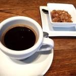 ラ テラス カフェ エ デセール - エスプレッソ 594円
