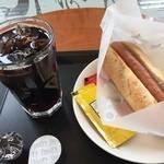 タリーズコーヒー - モーニングのプレーンドッグのセット 520円