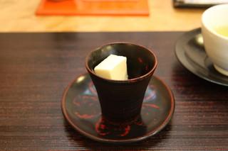 秋本 - チーズ豆腐