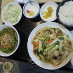 久香亭 - 八宝菜と台湾ラーメン@880