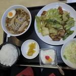 久香亭 - 回鍋肉と醤油ラーメン@880