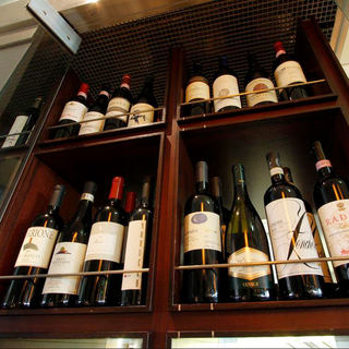 常備200種~イタリアの種類豊富なワインと一緒に〜