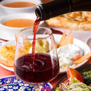 魅惑的なトルコワインも充実