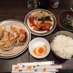 和牛焼肉 漢江 - 【2016年3月追加】豚肉餃子ランチ650円(税込)