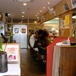 カドヤ食堂 - 店内です♪