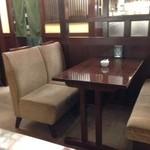 椿屋珈琲店 - 座席