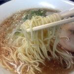 平九郎R - 麺は博多風の細めん