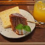 knut - スィーツセットのハーフ&ハーフ♪キャラメルパウンドケーキ&バニラのシフォンケーキ