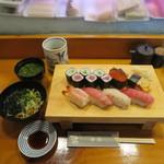 都鮨 - 料理写真:月曜日限定ランチの上寿司