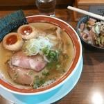 荒町商店中華そば ふじやま - 味玉白ふじそばと〆の肉飯