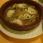 スペイン食堂 ヨシムタ - 牡蛎のアヒージョ