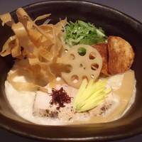 三代目晴レル屋 - 【鶏soba】桜島鶏のみを大量に炊き上げた濃厚かつクリーミーでコラーゲンたっぷりの鶏白湯soba