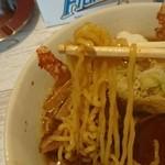 麺屋 金龍 - 中太縮れ麺