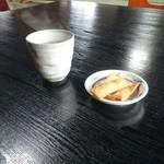 そば処 案山子 - お茶とお菓子