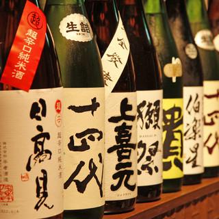 ■各30~40種を常備する焼酎・日本酒■