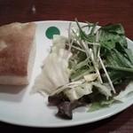 48621034 - ①  ランチのサラダ、パン