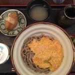 いいづか・出雲そば - 納豆そばときつね寿司1匹