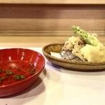 48629267 - ホタルイカ  たらの芽  筍の天ぷら