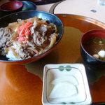 備中屋善兵衛 - 牛丼のお味噌汁セット