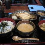 兼蔵 - 麦とろ定食900円