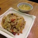 中華四川料理 もりた - エビチャーハン、スープ付き