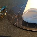 ザ・カフェ by アマン - 鋳物っぽいリーフ型のランチョンマット