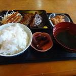 そんちゃん家 - ソーキ煮付定食700円(税込)